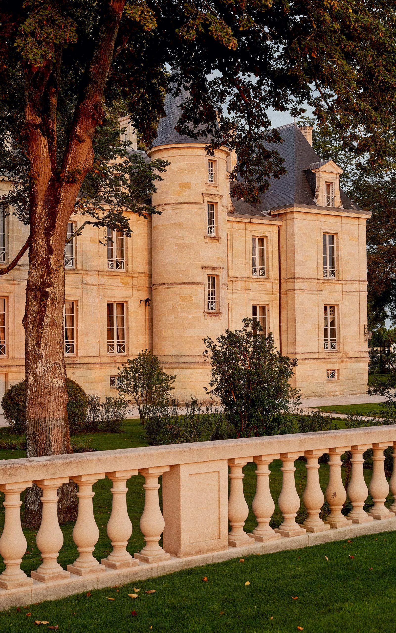Château Pichon Longueville Comtesse de Lalande Pauillac Médoc EN